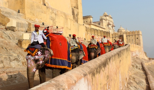Elephant_Ride_at_Amber_Fort,_Jaipur
